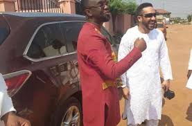 Photo of Majid Michel Shows Up At Joe Mettle's Traditional Marriage Ceremony