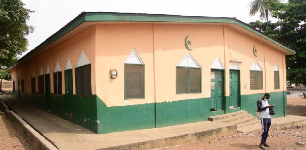 The Ho Central mosque has currently been shutdown to allow the settlement of litigation